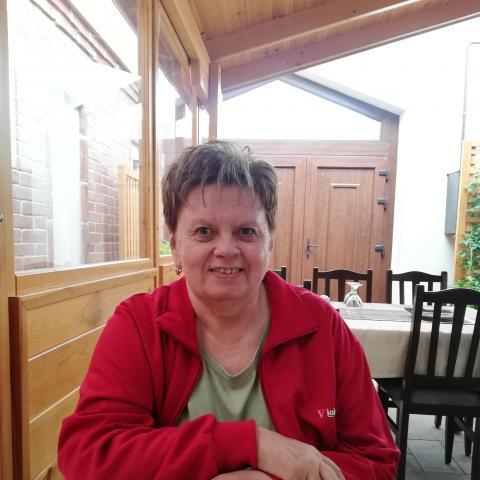 Erika, 64 éves társkereső nő - Kincsesbánya