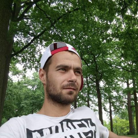 András, 32 éves társkereső férfi - Cégénydányád