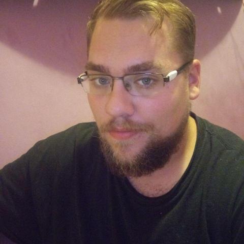 Péter, 23 éves társkereső férfi - Miskolc