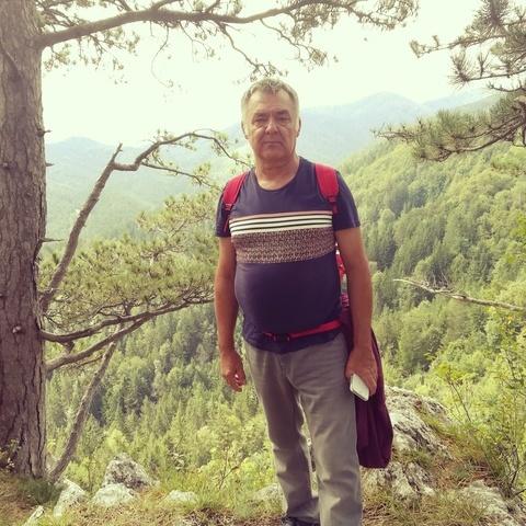 Tibor, 63 éves társkereső férfi - Tatabánya