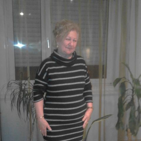 Edit, 69 éves társkereső nő - Tatabánya