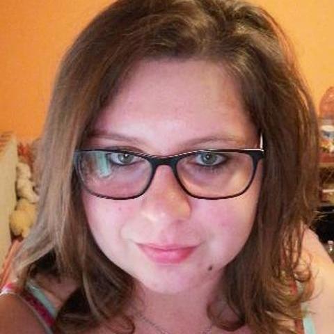 Ági, 24 éves társkereső nő - Pusztaszabolcs