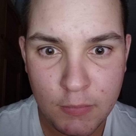 Attila, 19 éves társkereső férfi - Abádszalók