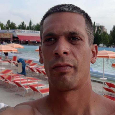 Róbert, 33 éves társkereső férfi - Egyek