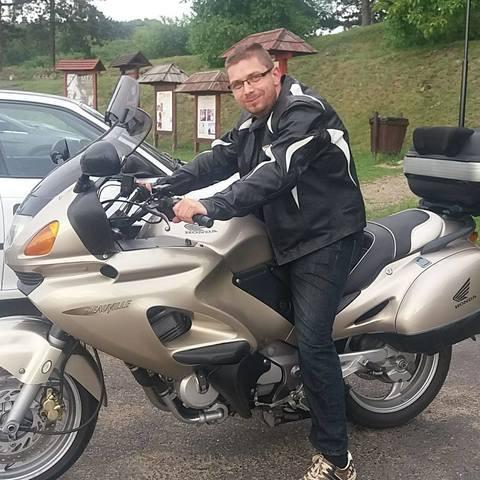Péter, 35 éves társkereső férfi - Hajdúnánás