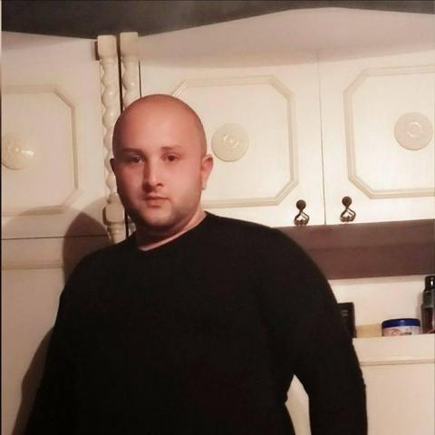 Attila, 25 éves társkereső férfi - Balassagyarmat