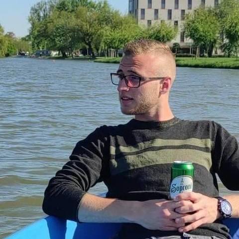 Erik, 21 éves társkereső férfi - Székesfehérvár