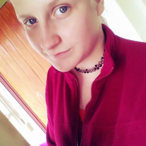 Petra, 18 éves társkereső nő - Igrici