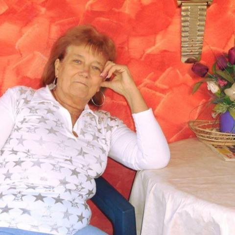 Anikó, 68 éves társkereső nő - Tatabánya