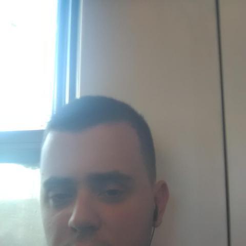 Erik, 25 éves társkereső férfi - Békéscsaba