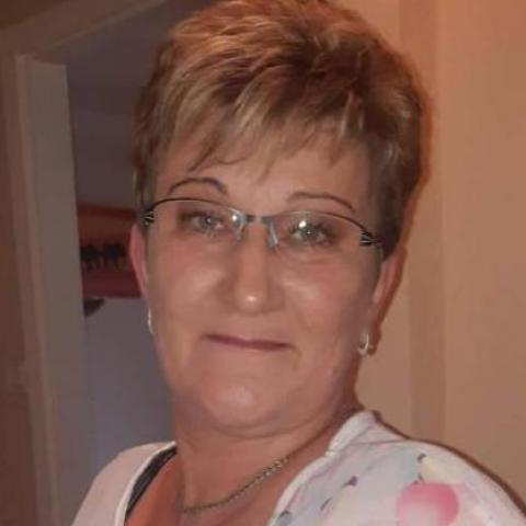 Erika, 48 éves társkereső nő - Újfehértó