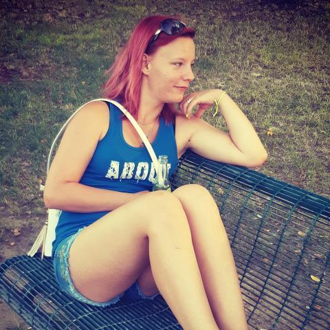 Szimonetta, 24 éves társkereső nő - Dunaújváros