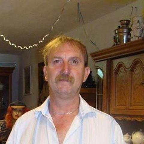 Tibor, 50 éves társkereső férfi - Forró