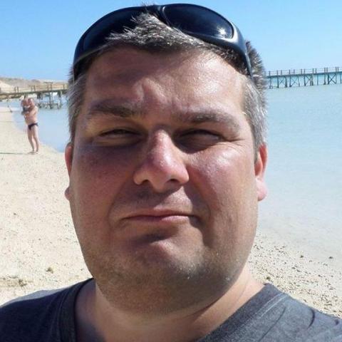 Róbert, 43 éves társkereső férfi - Hajdúszoboszló
