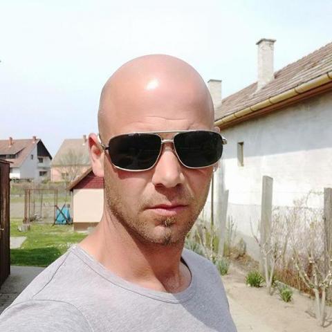 Viktor, 38 éves társkereső férfi - Báta
