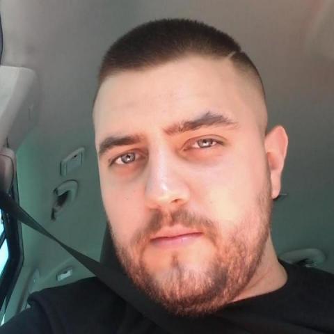 Adrián, 26 éves társkereső férfi - Miskolc