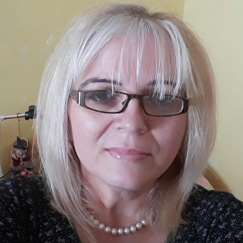 Eszter, 51 éves társkereső nő - Budapest