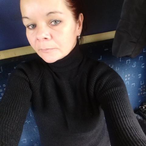 Szilvi, 43 éves társkereső nő - Ebes