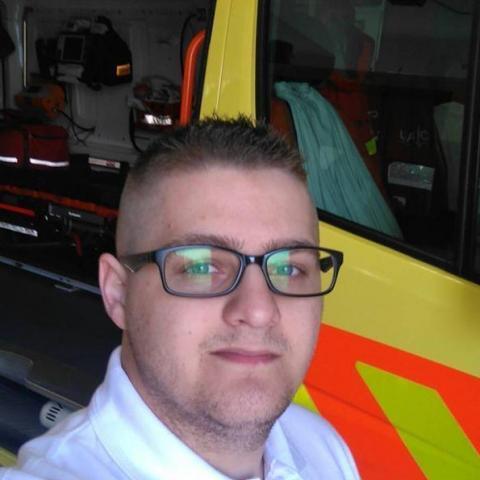 Csaba, 25 éves társkereső férfi - Tiszaújváros