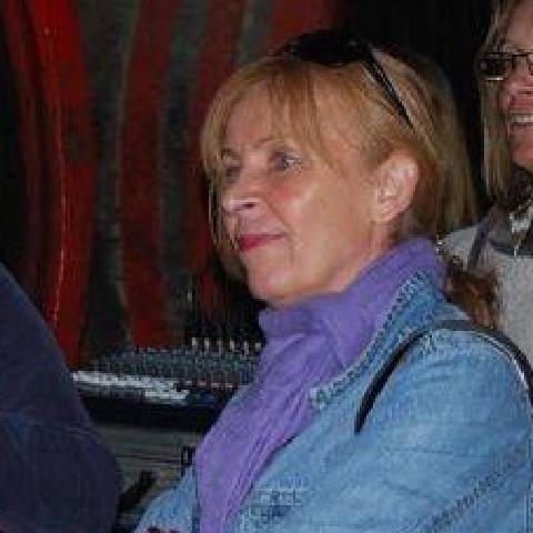 Csilla, 58 éves társkereső nő - Pécs