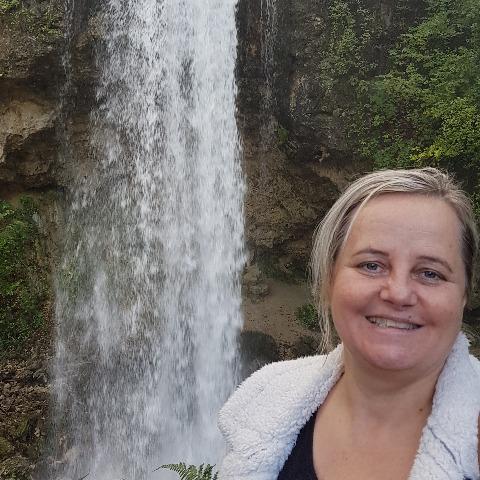 Krisztina, 49 éves társkereső nő - Miskolc