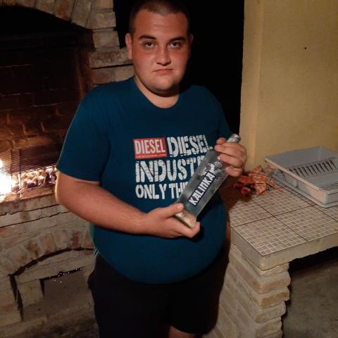 János, 19 éves társkereső férfi - Apostag