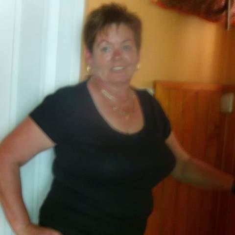 Brigitta, 59 éves társkereső nő - Sajószentpéter