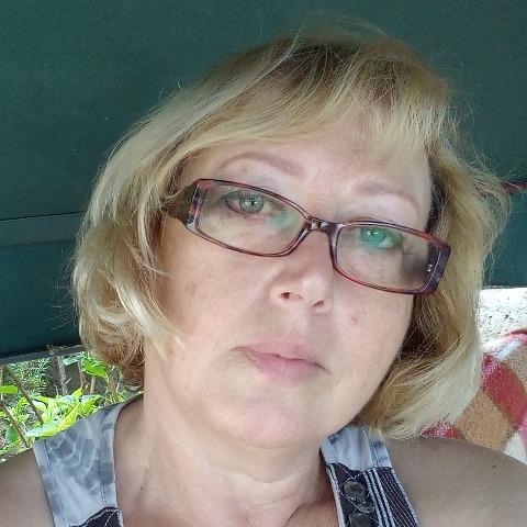 Kamilla, 60 éves társkereső nő - Encs