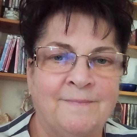 Edit, 62 éves társkereső nő - Miskolc