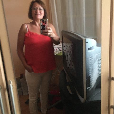 Margo, 59 éves társkereső nő - Debrecen