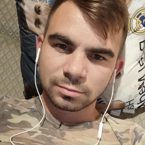 Krisztián, 23 éves társkereső férfi - Nagyecsed