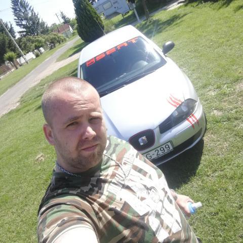 Péter, 29 éves társkereső férfi - Simontornya
