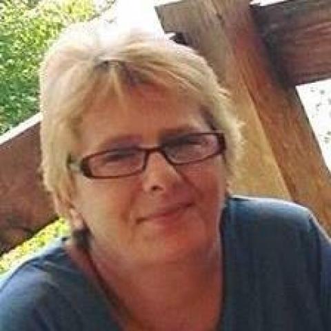 Zsuzsanna, 56 éves társkereső nő - Göd