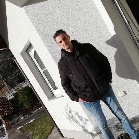 Zoli, 39 éves társkereső férfi - Pécs