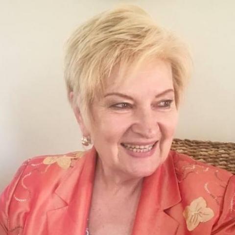 Vari, 68 éves társkereső nő - Csenger