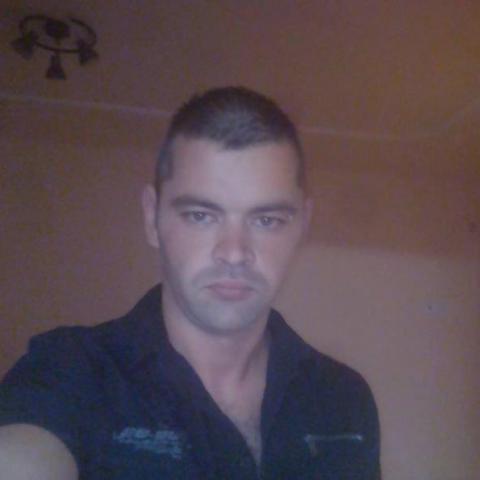Tibor, 28 éves társkereső férfi - Kardos