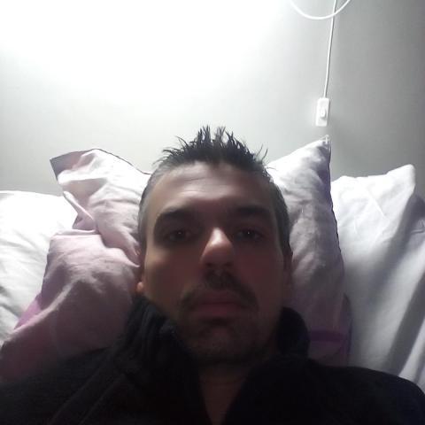 Csaba, 38 éves társkereső férfi - Paks