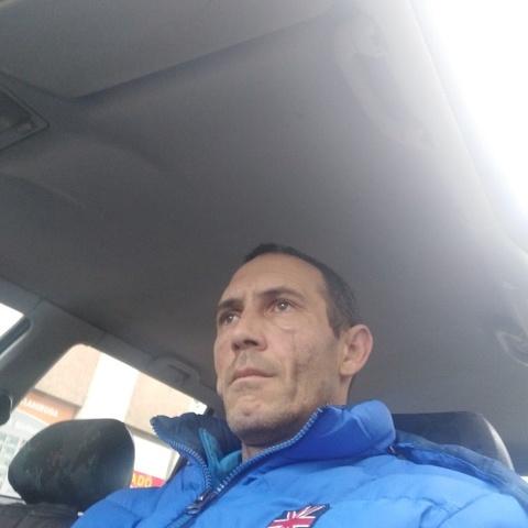 Robi, 42 éves társkereső férfi - Salgótarján