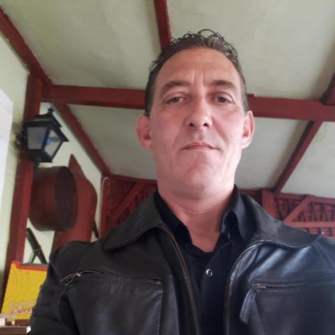 Péter, 45 éves társkereső férfi - Győr