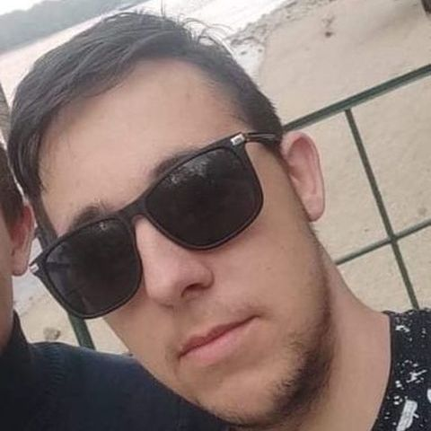 Zoltán, 18 éves társkereső férfi - Göd