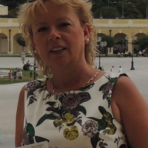 Judit, 58 éves társkereső nő - Pécs