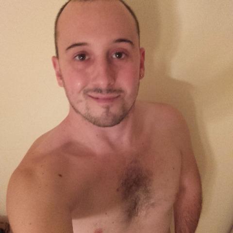 Robi, 29 éves társkereső férfi - Debrecen