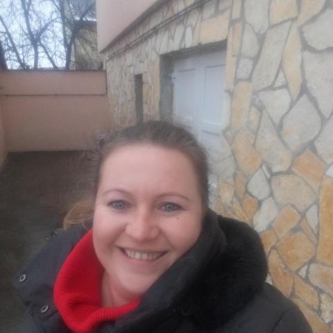 Kata, 39 éves társkereső nő - Mór