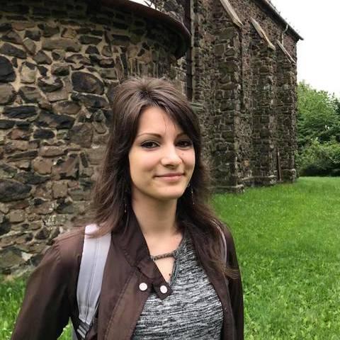 Bogi, 25 éves társkereső nő - Budapest