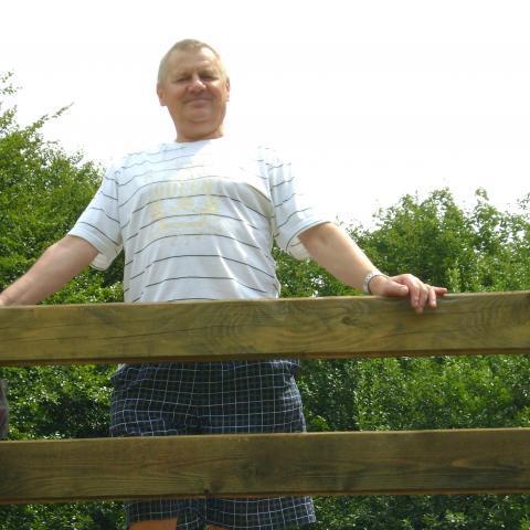 László, 71 éves társkereső férfi - Iklad