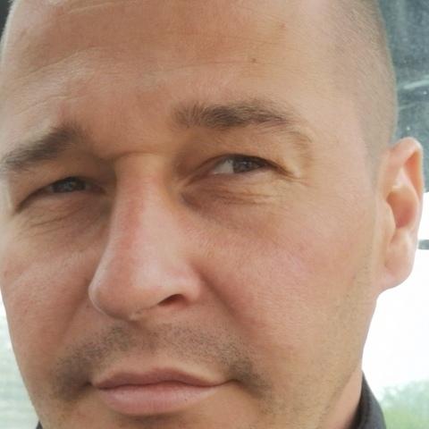 Attila, 37 éves társkereső férfi - Százhalombatta