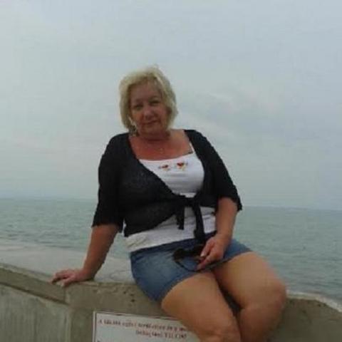 Zsu, 61 éves társkereső nő - Siófok