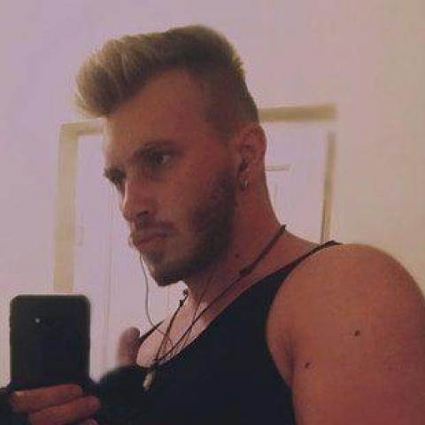 Tamás, 23 éves társkereső férfi - Debrecen