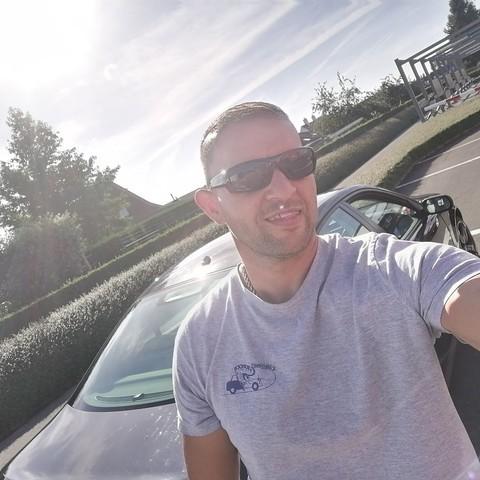 Andras, 44 éves társkereső férfi -