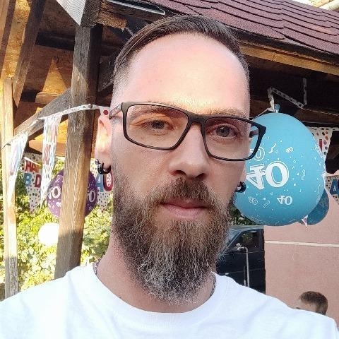 István, 37 éves társkereső férfi - Csongrád